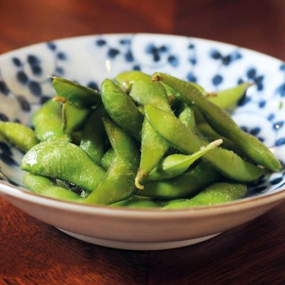 Boiled young soybeans. To be eaten only beans inside