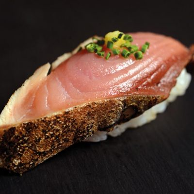 Seared bonito with ginger and chive on top