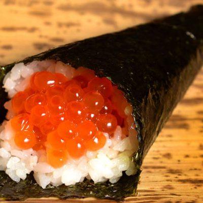 temaki salmon roe