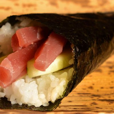 temaki tuna and cucumber