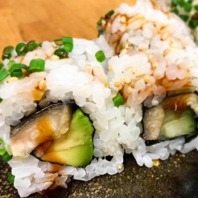 eel uramaki with cucumber
